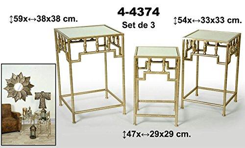 Set de 3 mesas cuadradas de metal doradas con balda de cristal. Oferta
